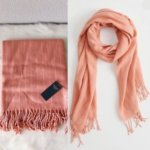 ✨New ABERCROMBIE Midweight Cozy Fringe Scarf Coral